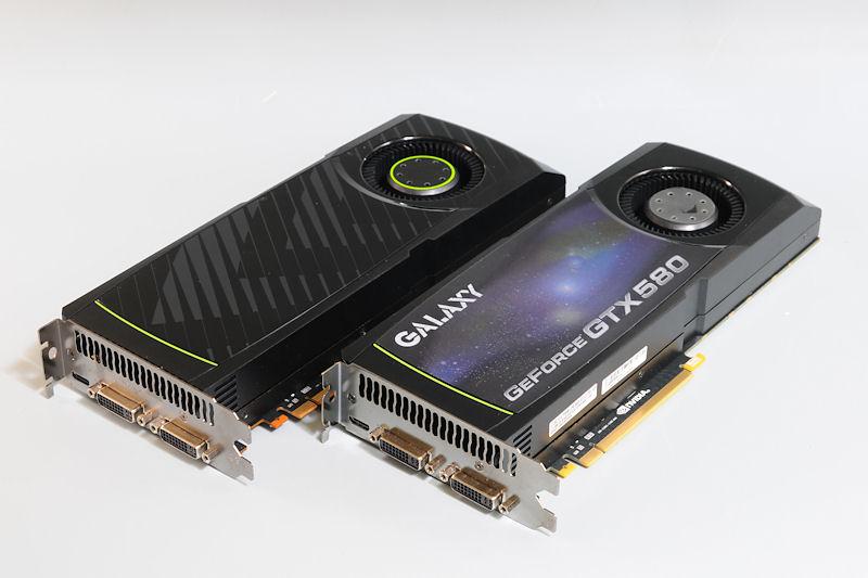 """【写真9】GeForce GTX 580のリファレンスボードとGALAXY Microsystemsの「<a href=""""http://www.galaxytech.com/JA-JP/productview.aspx?id=357"""">GF PGTX 580/1536D5</a>」を組み合わせてSLI環境を構築"""