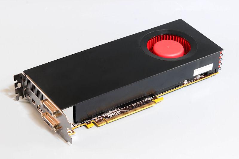 【写真1】Radeon HD 6790のリファレンスボード。ボード長はRadeon HD 6850と同程度