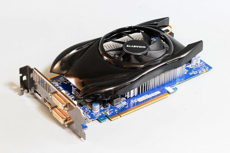 """【写真6】Radeon HD 5770を搭載するGIGABYTEの「<a href=""""http://www.gigabyte.jp/products/product-page.aspx?pid=3283"""">GV-R577UD-1GD</a>」"""