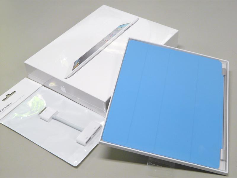 今回購入したのは、iPad 2、iPad Smart Cover/青、Digital AVアダプタ