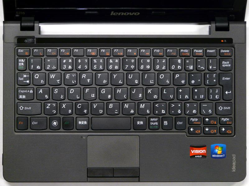 アイソレーションタイプのキーボード。[Enter]キーが小さいのが気になる