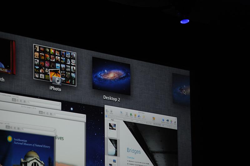 Mission Control上で、新しい仮想デスクトップを追加して、そこにアプリケーションやフォルダウィンドウを移動させることも可能