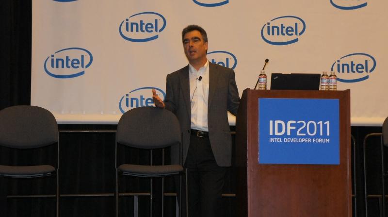 Intel 副社長兼ネットブック・タブレット開発普及担当部長 スティーブ・スミス氏