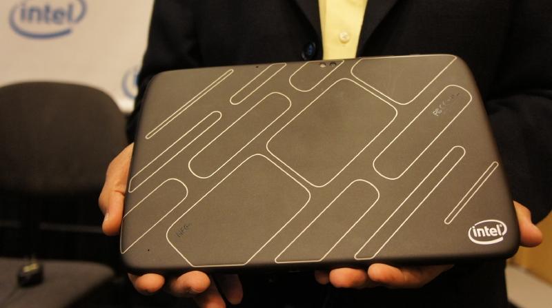 Intelが公開したMedfieldベースのタブレットのリファレンスデザイン。OEM/ODMメーカーはこれをベースに自社製品を開発していくことが可能