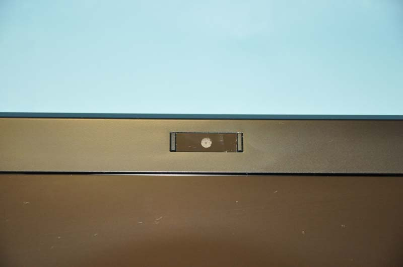 液晶上部には、31万画素のWebカメラが搭載されており、ビデオチャットなどに利用できる