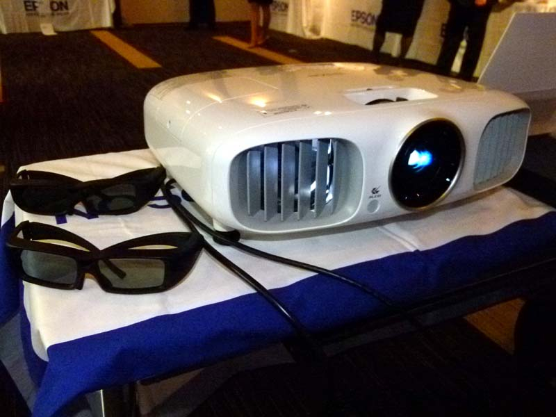 3D表示が可能なプロジェクタ「EH-TW6000W」