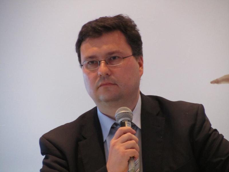 ショット日本株式会社 取締役副社長のルッツ・グリューベル氏