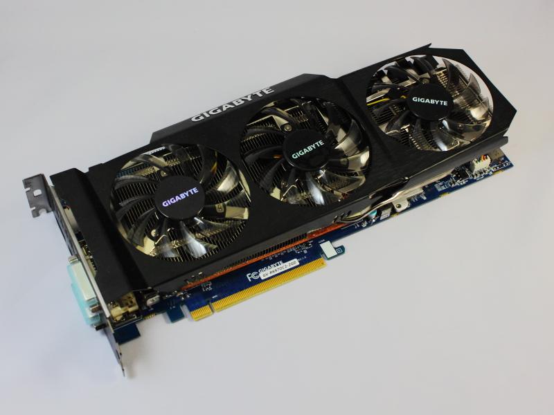 HD 6970搭載ビデオカード、GIGABYTE「GV-R697OC2-2GD」