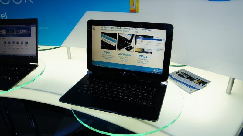 COMPALのUltrabook試作機。キーボードドックと分離してスレートPCとして利用することができる