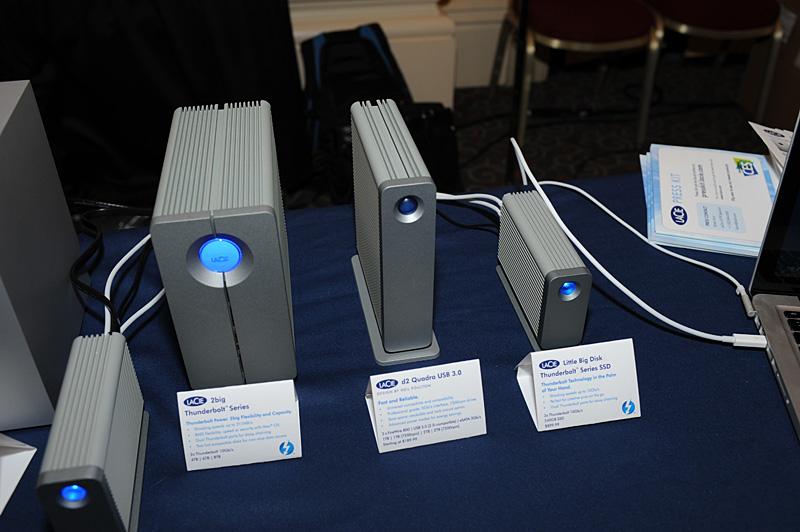 CES Unveiledに出展したLaCie。3.5インチHDDを2台搭載する「2big」シリーズと、Little Big DiskにeSATA×2のインターフェイスが加わった「LaCie eSATA Hub」も発表