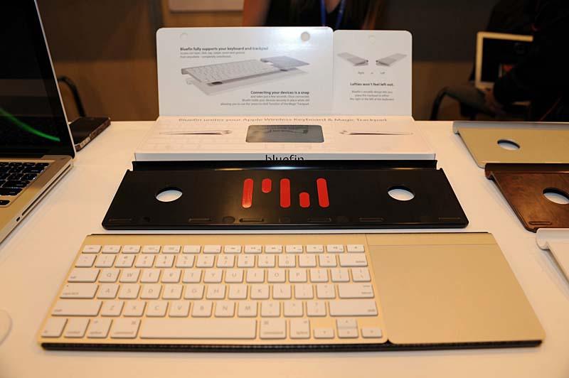 Apple純正のApple Wireless KeyboardとMagic TrackPadを一体化する「Bluefin」