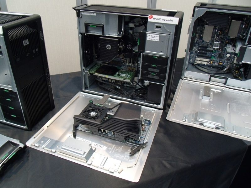 Z620とオプションのデュアルCPUライザーカード