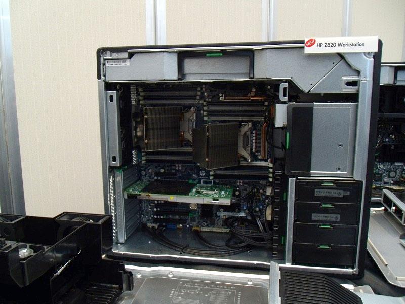 最上位でデュアルCPU搭載のZ820