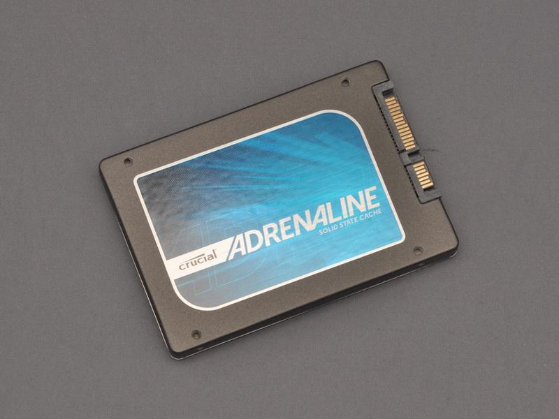 付属するSSDは、Crusial m4 SSDの64GBをベースとした、容量50GBのSSDだ