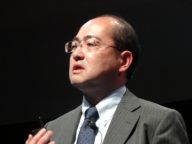 日本コンシューマ市場について説明した同社常務執行役員の大岩憲三氏