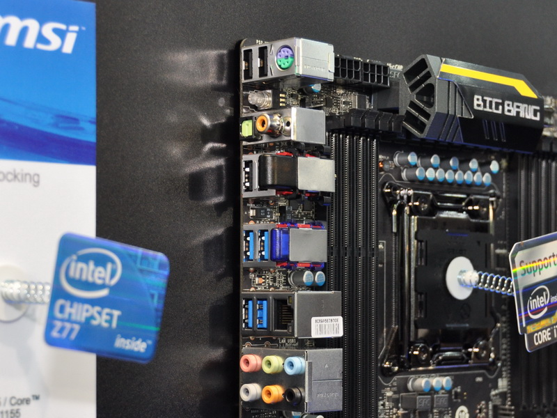 X79 MPowerにも、無線LANとBluetoothを搭載