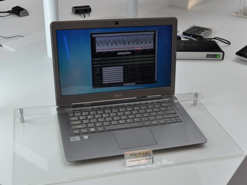 デモは、WiGig対応カードを搭載したノートPCで行なわれていた