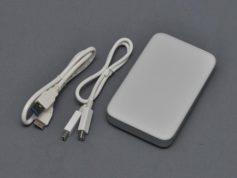 バッファローのThunderbolt/USB 3.0両対応ポータブルHDD「HD-PA1.0TU3」