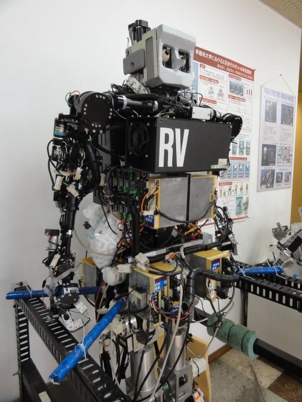 早稲田大学で開発されてきたロボットやRT機器を間近で見学できる