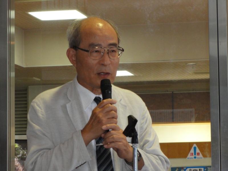 拠点リーダーの藤江正克教授