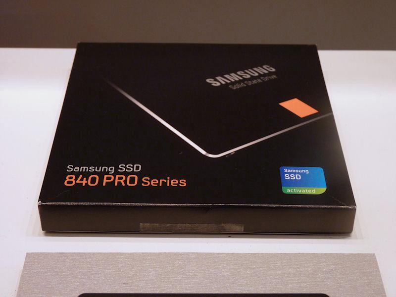 SSD 840 PROのパッケージ。840 PROは、ベーシックキットのみが用意される