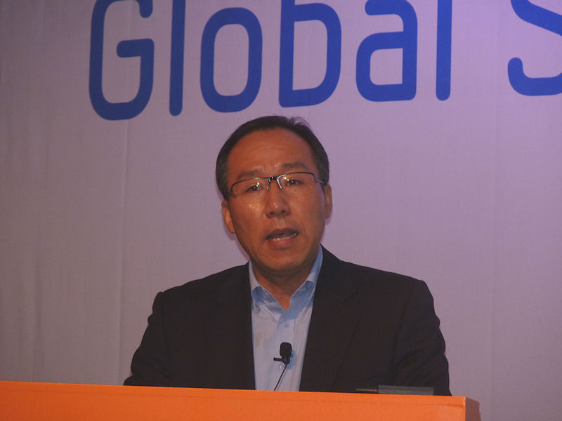 最初にSamsung Electronicsのメモリブランドマーケティングチームのチーム長であるキム・オンス氏が挨拶をした