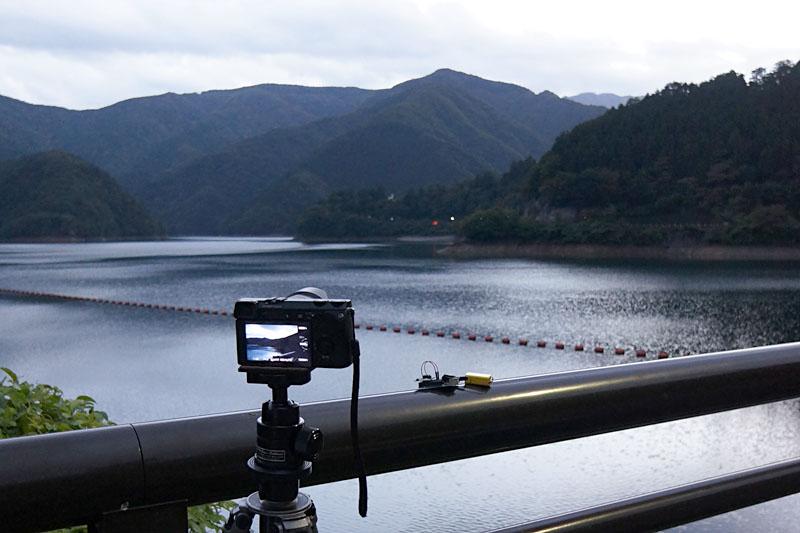 テストを兼ねて湖畔の夕暮れを撮影しました。インターバル撮影の題材としてはありふれているかもしれませんが、編集して動画にしたものを後ほど紹介します