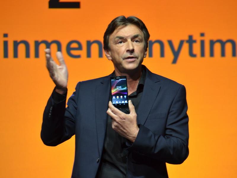 平井氏に続いて登壇した、Sony Electronics社長のPhill Molyneux氏によって、Xperia Zの詳しい説明が行なわれた