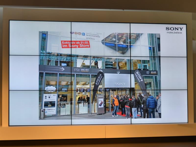 ドイツのソニーストアでは、Xperia Zが発売時に行列ができ、わずか2時間で完売したという