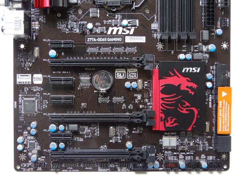スロットはPCI Express x16×3、PCI Express x1×4。NVIDIA SLI/AMD CrossFireXに対応し、上側2個のPCI Express X16は2スロットの空間を設けてレイアウトされている