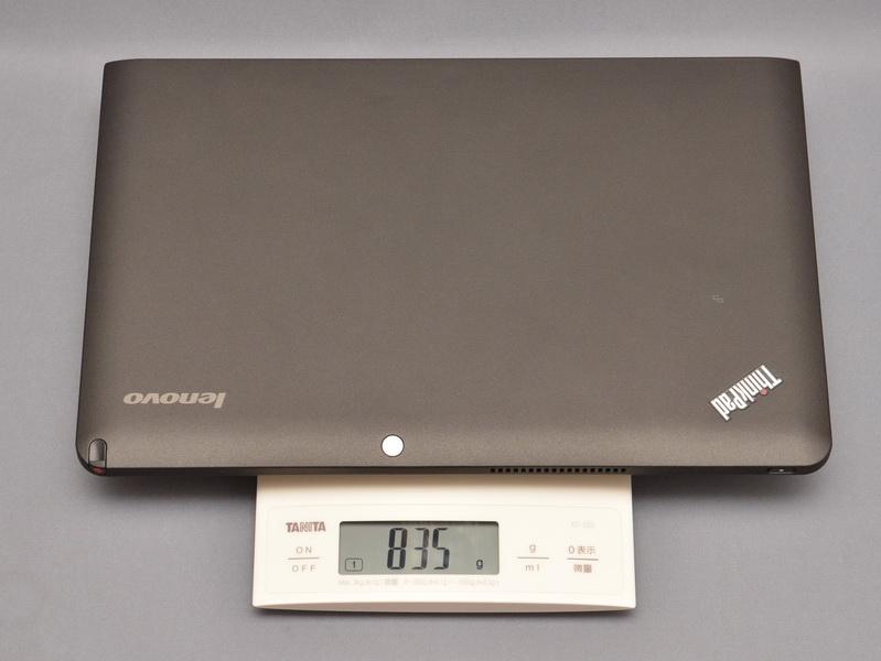 液晶部単体(デジタイザペン含む)の重量は、実測で835gと公称値と同じだった