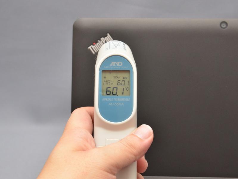 試用機では、高負荷な作業を長時間行なうと天板のThinkPadロゴ付近が60度を超える高温になることがあった