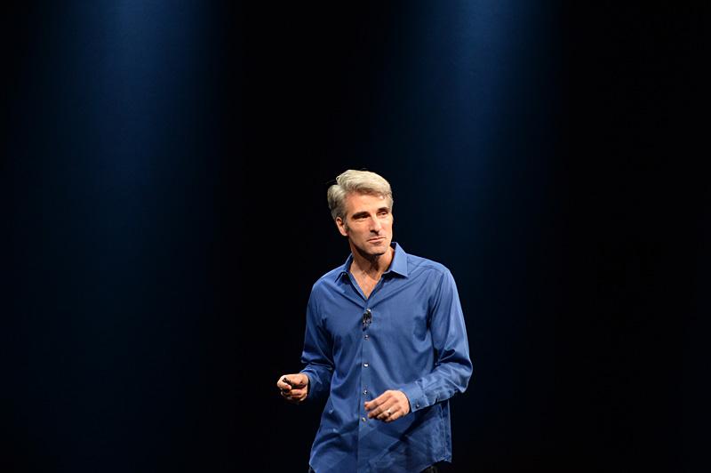 OS X Mavericksの紹介とデモンストレーションを行なったクレイグ・フェデリギ上級副社長