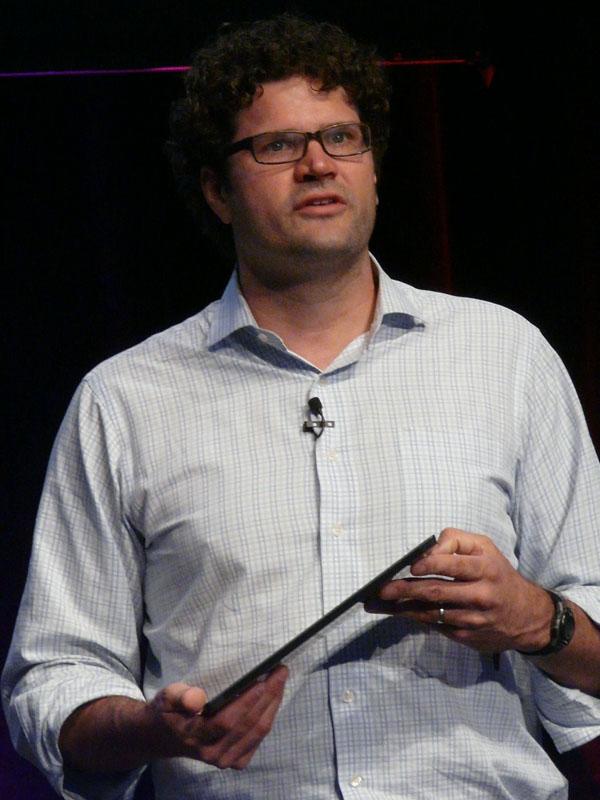 米MicrosoftのSurface担当ゼネラルマネージャーのブライアン・ホール氏
