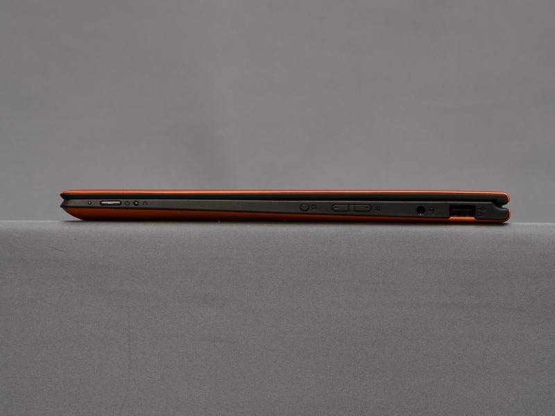 右側面。高さは15.5mmと従来モデルより1.4mm薄くなった