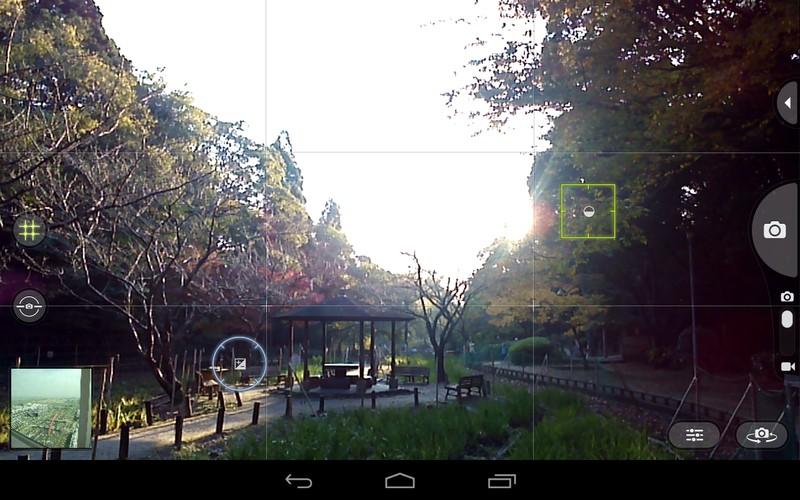 2点をタッチすることで露出と合焦の場所を分けられる。丸が露出を決めるポイントで、四角が合焦ポイント