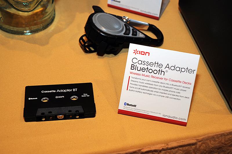 カセットデッキに入れて、Bluetooth接続で出力ソースにする「Cassette Adapter Bluetooth」