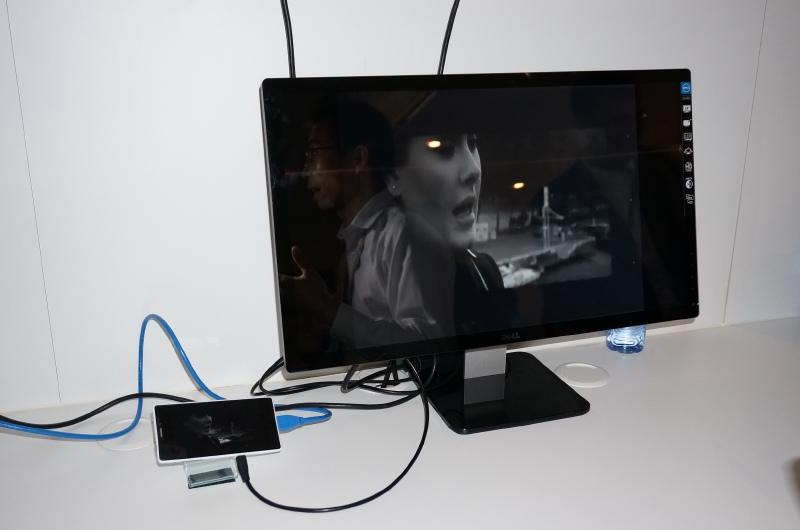 TD-LTE回線を経由して動画をストリーミング再生している様子