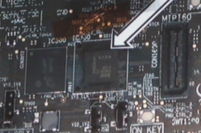 開発ボードに搭載されているSoFIA、ロードマップを発表してから約4ヶ月でここまでこぎ着けたというのはIntelとしてはかなり異例なこと