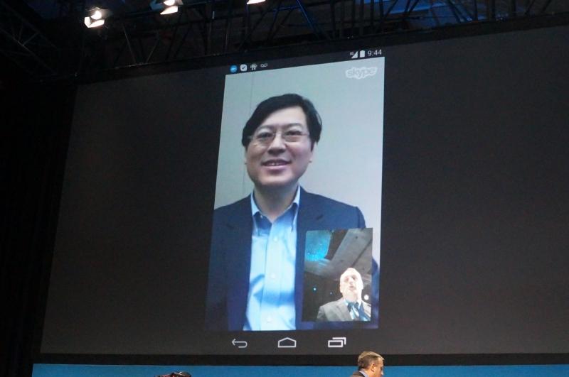 XMM7260を搭載したスマートフォンのデモでは中国Lenovo社CEOのヤン・ユァンチン氏と電話会議。XMM7260を搭載したスマートフォンをLenovoが発売するという示唆なのだろうか