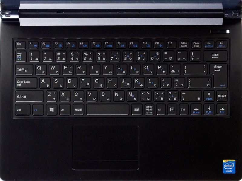 キーボードがアイソレーションタイプ。フットプリントが広めの割に10キーがないためレイアウトに余裕がある