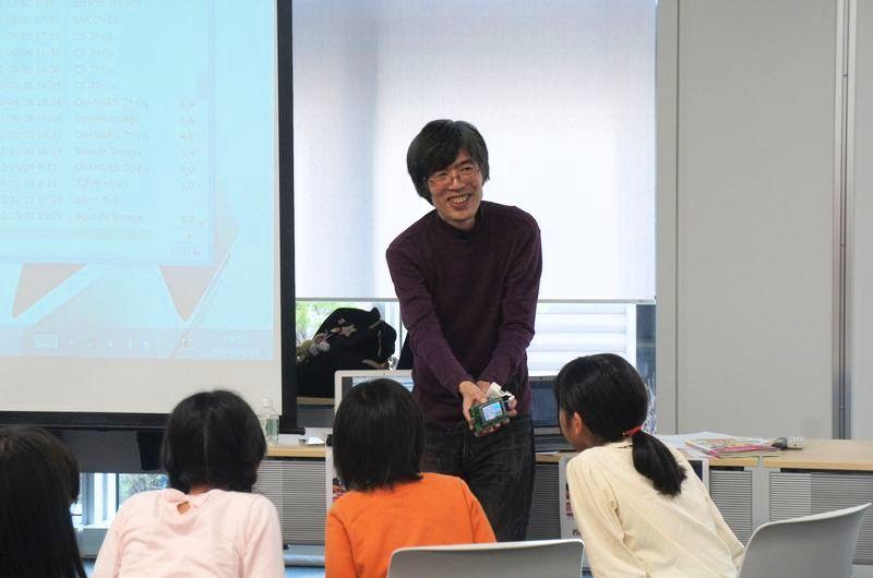 最後に、青山学院大学や津田塾大学で非常勤講師を務める阿部和広氏が、Raspberry PIで動くScratchのデモを行なった