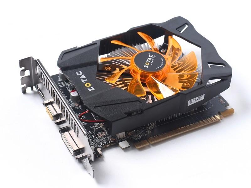ZOTAC「GeForce GT 740 2GB DDR5」。動作クロックは定格。メモリ容量2GBモデルのほかに、1GBモデルもラインナップする