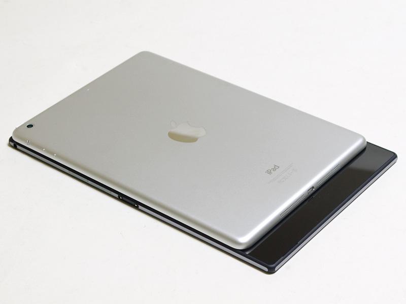iPad Airとの比較/フットプリント。奥行がほぼ同じで、幅はXperia Z2 Tabletの方が長い