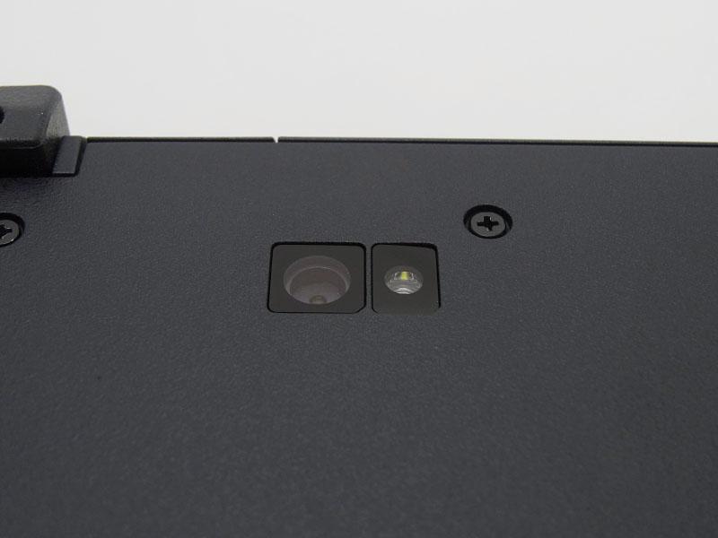 底面に装備されたカメラ。タブレット形態時に利用可能