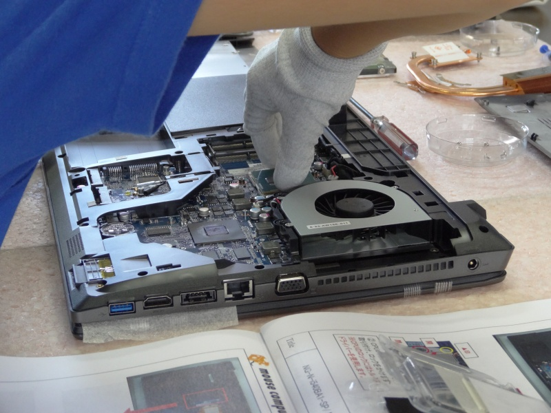 CPUを取り付け