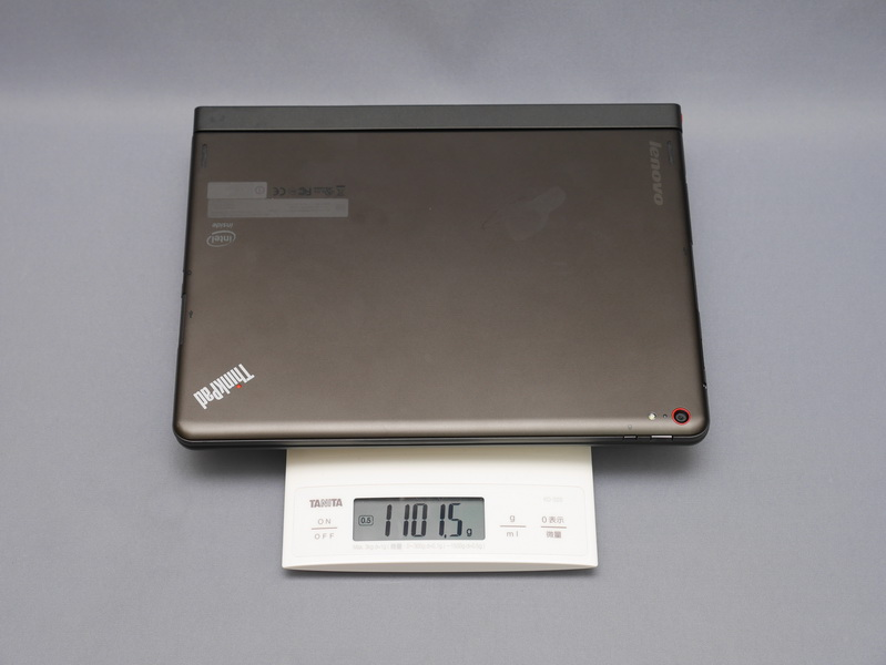 キーボードの重量は実測で528gとやや重く、ThinkPad 10と合わせると1,101.5gと1.1kgを超えてしまう