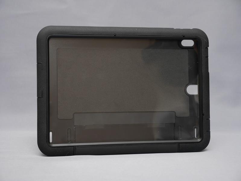 ThinkPad 10を衝撃から保護する「ThinkPad 10プロテクター」