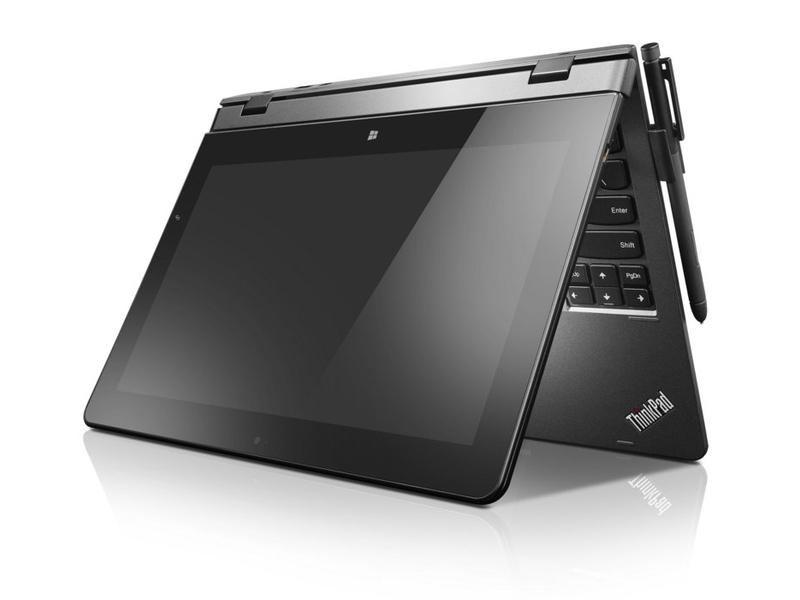 ThinkPad UltraBook Pro Keyboardにドッキングしているところ