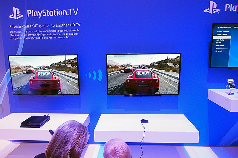 E3 2014で発表されたPlayStation TV。国内ではPS Vita TVとして販売されているが、欧米ではPS4からのリモートプレイや、PlayStation Nowでのストリーミングプレイにフォーカスして訴求する